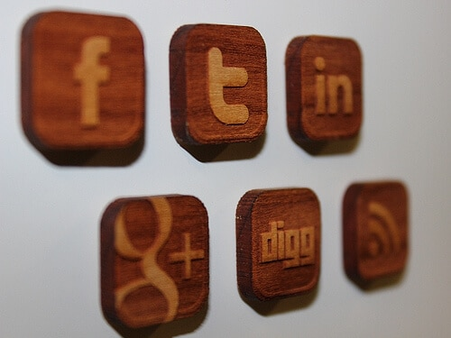 One big mistake many businesses make in their social media marketing strategy is treating all their social media networks the same.