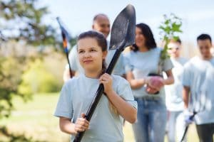 nonprofit-volunteer-with-shovel