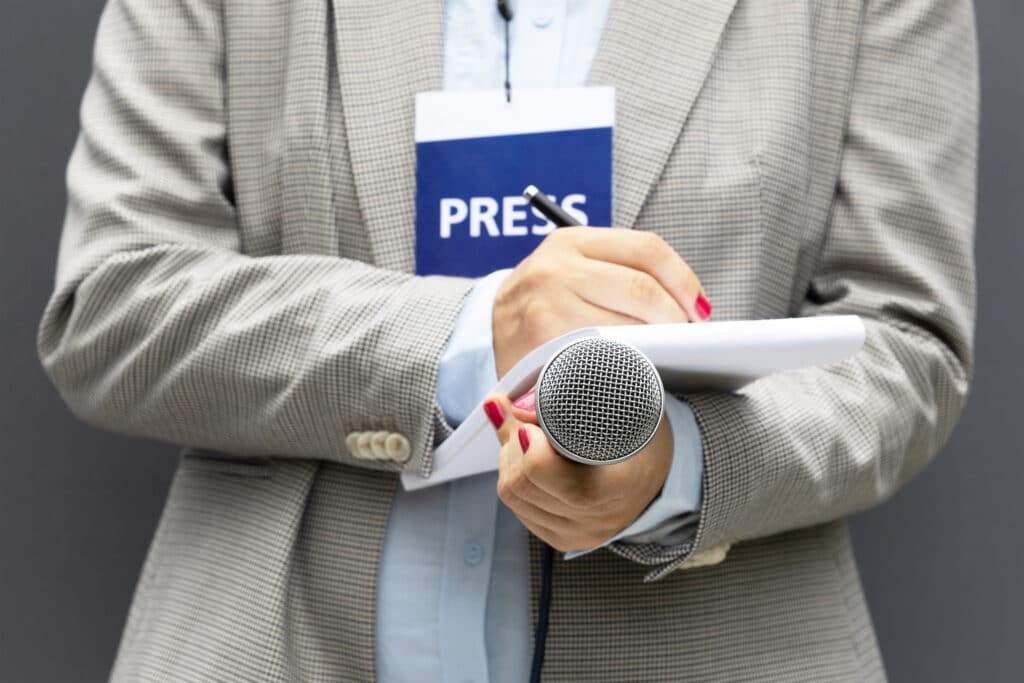 Using press releases to combat an internal crisis.